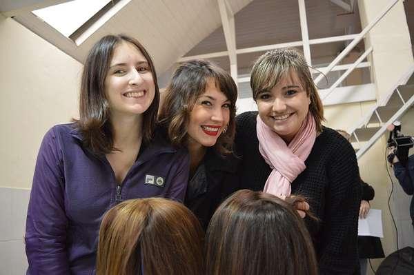 Caroline Conter, Paula Luttjohann Rodrigues e Estela Rocha iniciaram, em maio desse ano, o Projeto Cabelaço, que visa auxiliar crianças em tratamento contra o câncer, com perucas confeccionadas a partir de doações de cabelos das pessoas, no Rio Grande do Sul