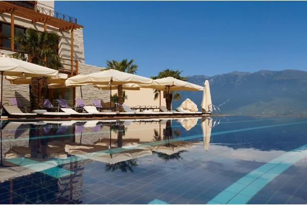 Las mejores albercas del mundo para relajarse en vacaciones for Donde esta la piscina del diablo
