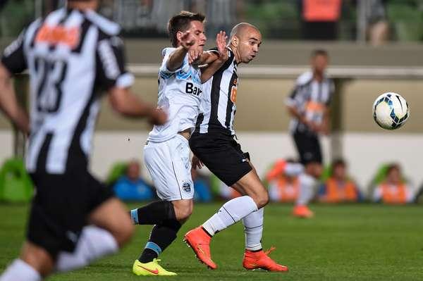 Atlético-MG e Grêmio se anularam, neste domingo, no Estádio Independência, e ficaram no 0 a 0 pela 21ª rodada doCampeonato Brasileiro.