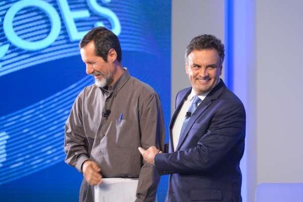Eduardo Jorge e Aécio Neves riem antes de começar o programa