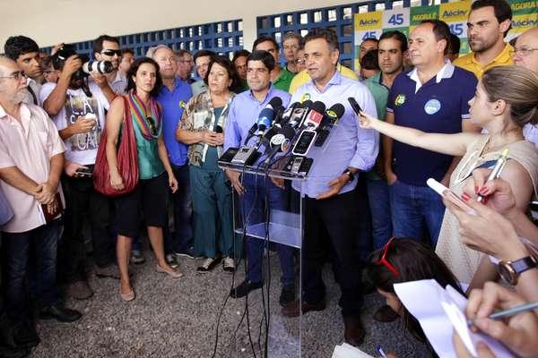 O candidato à Presidência Aécio Neves (PSDB) realizou um mega ato de campanha no Pelourinho, em Salvador (BA), nesta sexta-feira (17)