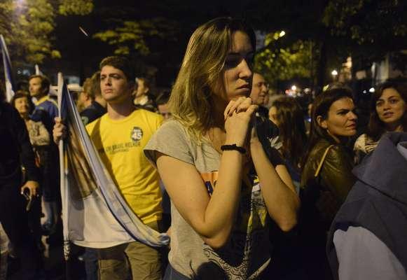Com a derrota de Aécio Neves, candidato do PSDB, na corrida presidencial, os eleitores do mineiro lamentaram o resultado após acompanharem a apuração nas ruas de Belo Horizonte