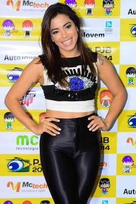 Na noite da última terça-feira (11), famosos se reuniram no Palácio das Convenções Anhembi, na capital paulista, para prestigiar a 3ª edição do Prêmio Jovem Brasileiro 2014, que teve como uma de suas principais atrações um show da cantora Anitta