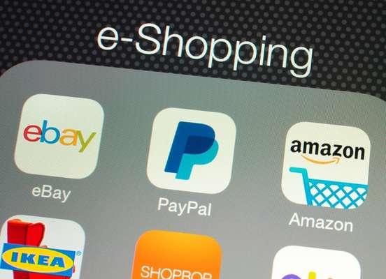 Ao inaugurar um e-commerce, a marca que tem apenas lojas físicas tem uma vantagem, pois é conhecida. No caso de uma marca que nasceu virtual, talvez seja preciso investir mais em publicidade ao apostar na butique física