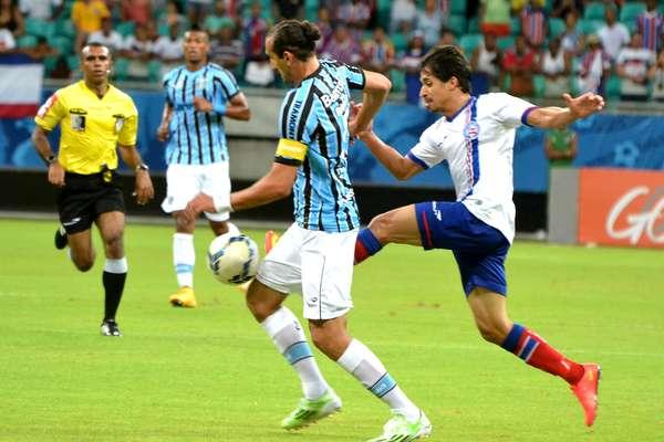 Bahia e Grêmio se enfrentaram neste domingo, na Arena Fonte Nova, em Salvador; o time da casa venceu por 1 a 0