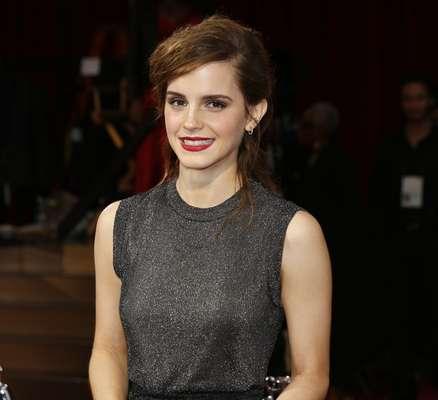 Emma Watson usou um estilo podrinho em cena e também fora, para première do filme Noé