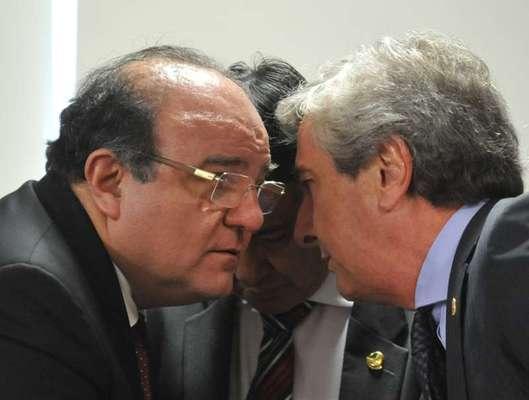 (À esquerda) o ex-deputado federal Cândido Vacarezza (PT-SP)
