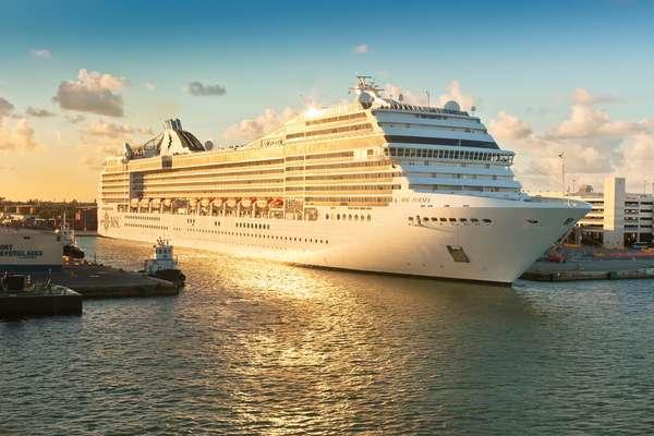 O navio sai de Fort Lauderdale, na Flórida, no dia 7 de novembro de 2015
