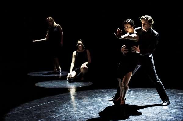 """Fundado em 1967 pela coreógrafa Birgit Cullberg, o Cullberg Ballet ser apresenta em todo o mundo e já se consolidou como uma das maiores forças da exposição internacional da cultura sueca. Atualmente é formada por 16 bailarinos de vários países. Para o Festival O Boticário na Dança 2015, traz o espetáculo """"11th Floor"""" (""""Décimo Primeiro Andar""""), de Édouard Lock, criado especialmente para o Cullberg Ballet. O trabalho é inspirado pelo jazz e pelos filmes noir da década de 1950"""