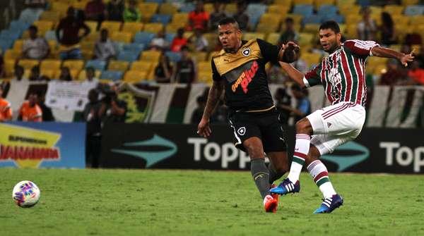 Botafogo foi superior no primeiro tempo, mas saiu atrás no placar