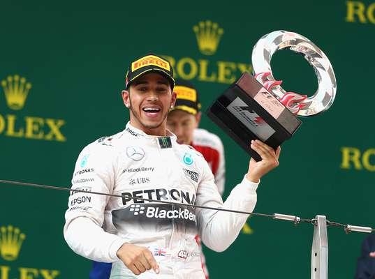 Hamilton ganhou segunda prova no ano e lidera Mundial de Pilotos