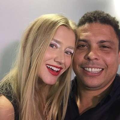 """Ronaldo acompanhou a namorada Celina Locks, que desfila para a Cavalera no SPFW. """"Meu avatar!"""", escreveu ele no Instagram"""