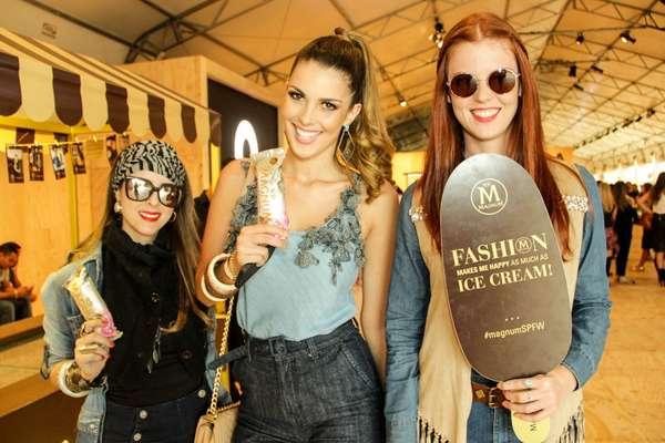 Larissa Lenarduzzi, 27, jornalista, Francine Pantalão, 25, modelo, e Tayane Ruibal, 23, modelo