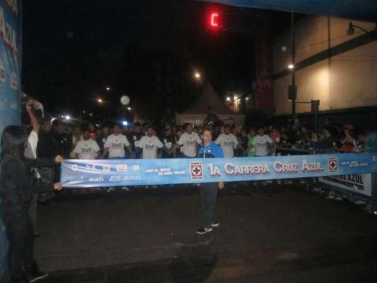 Se realizó de manera exitosa la Primera Carrera Cruz Azul en las calles de la colonia Nochebuena, en la Ciudad de México. Los asistentes pudieron disfrutar de un buen evento acompañados por la mascota del equipo y las porristas denominadas 'Las Celestes'.