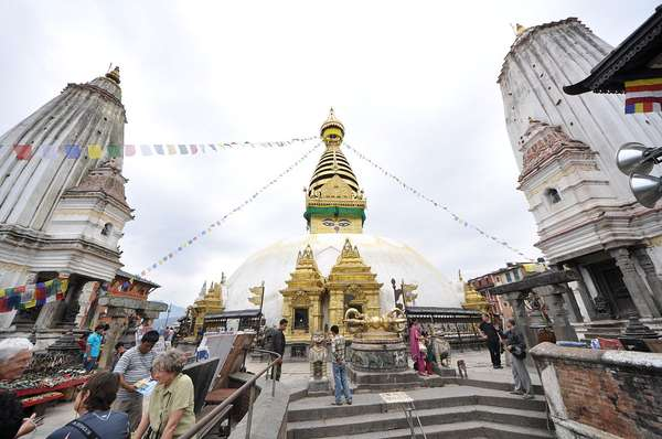 Antes: o Syambhunaath Stupa, conhecido como Templo do Macaco