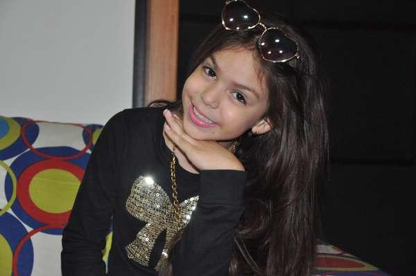 Melody tem 8 anos e virou alvo de críticas após aparecer em um vídeo cantando e dançando funk