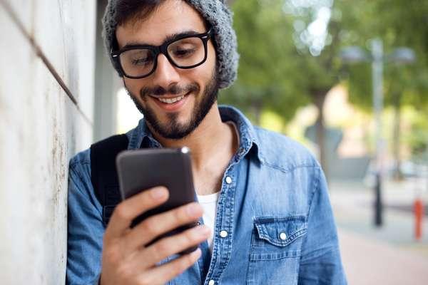 """O aplicativo BroApp busca """"refrescar"""" a memória masculina, ajudando o usuário a agendar mensagens de texto automáticas para serem enviadas durante o dia"""