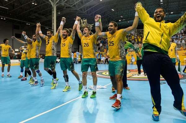 Após jogo apertado, Brasil bateu Argentina na prorrogação e ficou com a medalha de ouro do handebol masculino dos Jogos Pan-Americanos de Toronto