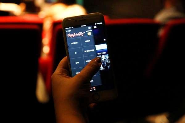 Baixe grátis o aplicativo do Rock in Rio em seu celular - Além de ter todas as informações, você pode montar sua própria agenda, de acordo com seu gosto e, assim, conciliar os horários