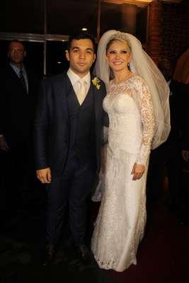 Os noivos Jonathan Costa e Antônia Fontenelle