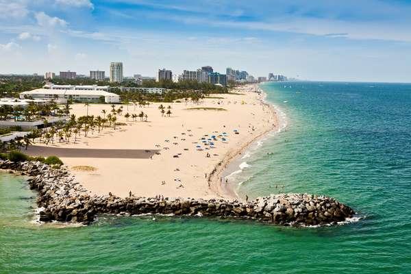 Restrito a casais adultos, o Bliss Cruise a bordo do Celebrity Silhoutte tem capacidade para 3 mil pessoas e parte de Fort Lauderdale, na Flórida