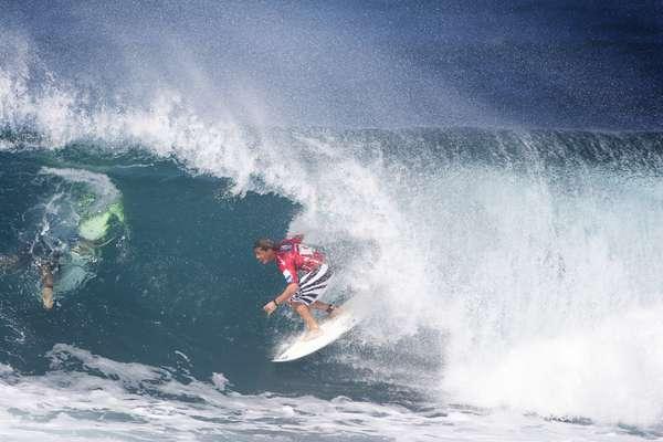 Pipeline - O local dos sonhos de todo surfista do mundo, Pipeline, em Oahu, no Havaí, é para poucos. No local onde o surfe foi inventado estão algumas das mais desafiadoras e difíceis ondas do planeta, onde amadores nem sonham em tentar entrar na água