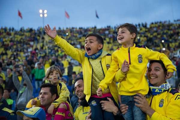 Los aficionados de la UD Las Palmas ayer y hoy