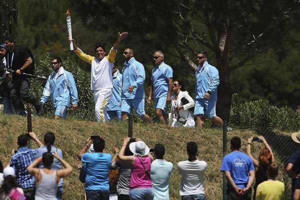 Giovane Gavio na realização da cerimônia de acendimento da chama olímpica, nesta quinta (21), que abre a contagem regressiva para os Jogos Olímpicos no Rio, realizada no templo de Hera, em Olímpia, na Grécia.