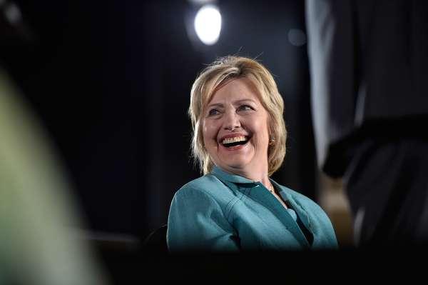 Hillary Clinton: la candidata a la presidencia de Estados Unidos se ha hecho algunas correcciones en su rostro y renovó la sonrisa, la cual ahora luce más blanca y armoniosa.