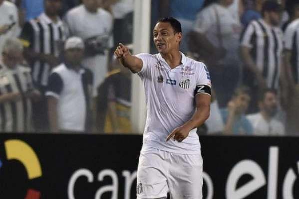 Ricardo Oliveira tem 298 gols na carreira