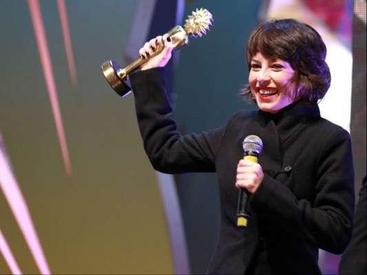 Andreia Horta ganhou o Kikito de Melhor Atriz pela atuação no longa 'Elis' na noite de sábado, 3 de setembro de 2016