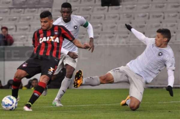 14/06/2016 - Atlético-PR 1 x 2 Botafogo - Jogo válido