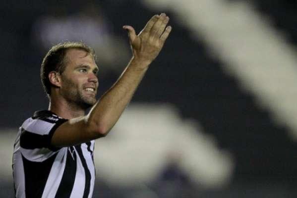 Carli tem dois gols em 22 jogos pelo Botafogo