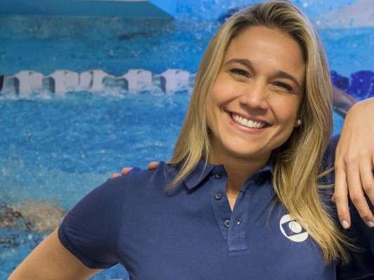 Fernanda Gentil posta foto com a namorada, Priscila Montandon, pela primeira vez