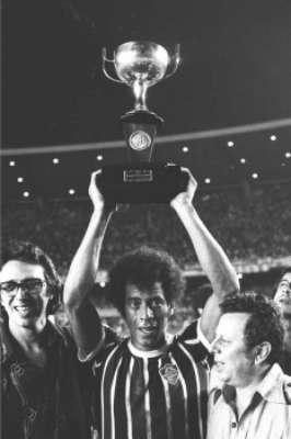 Carlos Alberto Torres pelo Fluminense