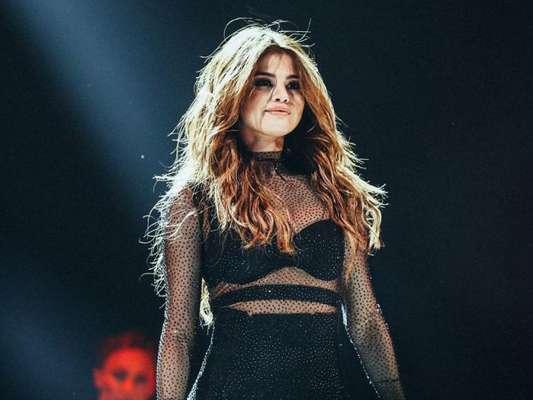Selena Gomez pode fazer mega apresentação no AMA 2016