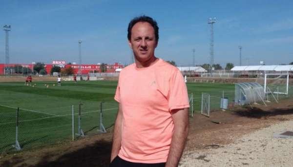 Rogério Ceni em visita ao Sevilla, na preparação para ser técnico