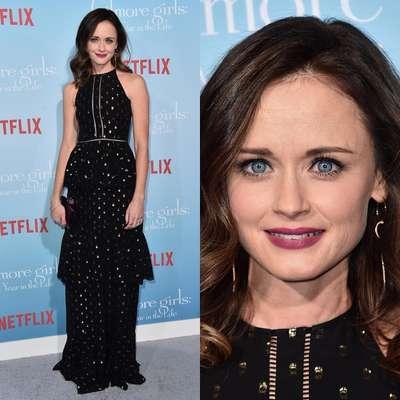 Antes de estrear pela Netflix no último dia 25, a nova temporada da série Gilmore Girls foi lançada em Los Angeles e claro, Alexis Bledel, a Rory, marcou presença no evento