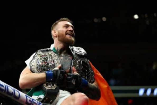 McGregor conquistou dois cinturões do UFC