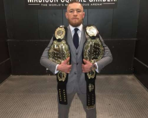 Conor McGregor é o atual campeão dos leves do UFC