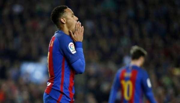 Champions: Arda Turan marca três e Barcelona goleia