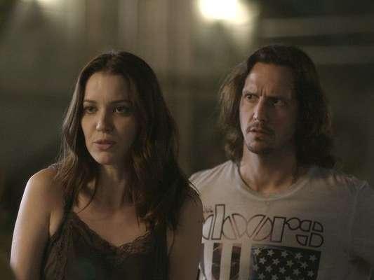 Júlia (Nathalia Dill) Gui (Vladimir Brichta) Alex (Caio Paduan), na novela 'Rock Story'