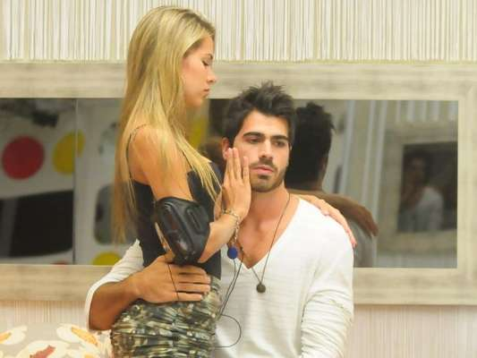 Adriana Sant'Anna e Rodrigão estão juntinhos até hoje! Os dois se apaixonaram no BBB 11