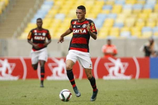 Thiago Santos ainda em 2015, durante amistoso (foto:Wagner Meier/LANCE!Press)