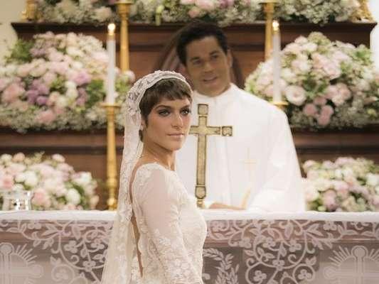 Isabella Santoni usa vestido de noiva de 50 mil em 'A Lei do Amor', como a estilista Lethicia Broinstein revelou em entrevista à revista 'Glamour' na quarta-feira, dia 11 de janeiro de 2017