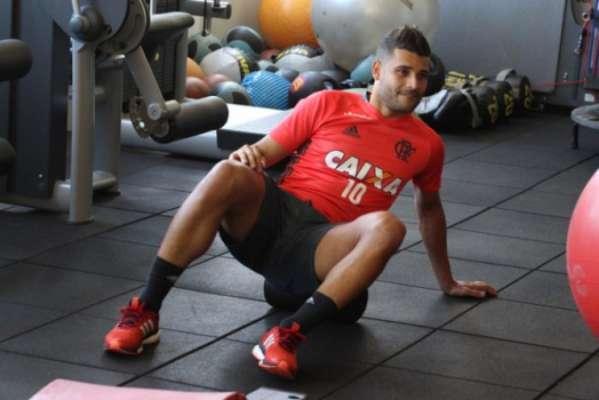 Ederson teve nome especulado em dois clubes do Paraná