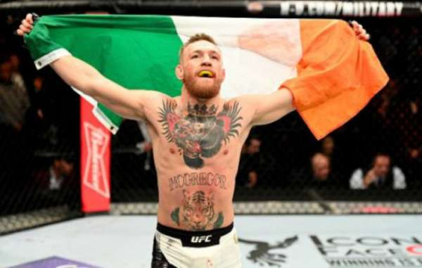 Conor McGregor é campeão dos leves do UFC