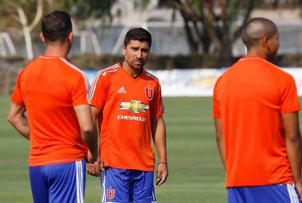 """David Pizarro apareció este martes entrenando con Universidad de Chile, lo que aumenta los rumores del regreso del """"Fantasista"""" a los azules."""