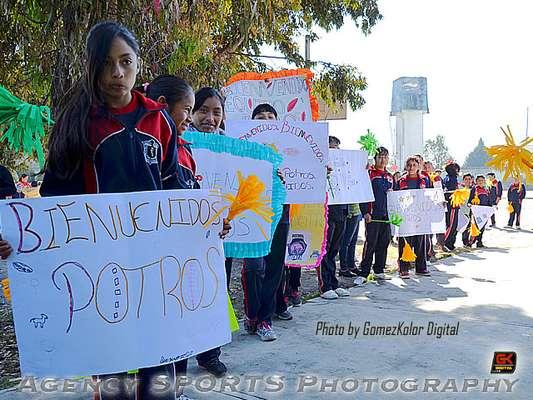 Potros Salvajes hacen servicio social en San Mateo Atenco