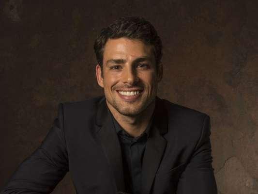 Cauã Reymond pede para sair de novela de Walcyr Carrasco por trabalhos no cinema, indica colunista Flávio Ricco nesta segunda-feira, dia 13 de fevereiro de 2017
